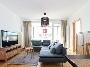 HERRYS - Prenájom 3 izbový zariadený byt s lodžiou a parkovacím státím v novostavbe Panorama City
