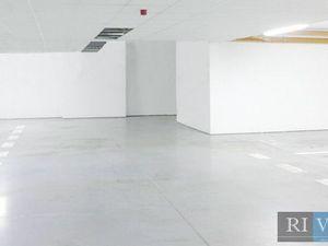 217 m2, alebo 434 m2 – kvalitné skladové priestory