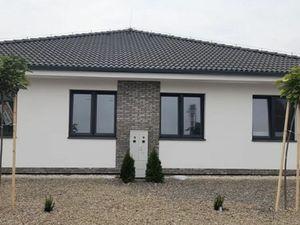 Novostavba 4 izbového rodinného domu v Dunajskej Strede na ul. Sv. Ladislava.