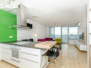 TRI VEŽE, moderný, kompletne zariadený 3izb.byt, pekný výhľad, garážové státie.