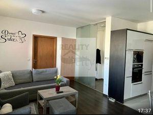3 - izbový priestranný byt 72 m2, 2x balkón, 2 x parkovacie miesto -  Rajka