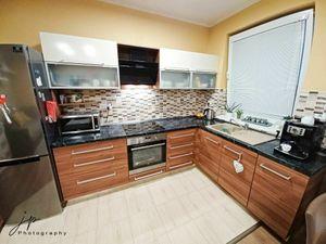 Na predaj novostavba (7 ročná), 3 izbový byt s loggiou, na ideálnom 1. poschodí, 1 km od Dunajskej S