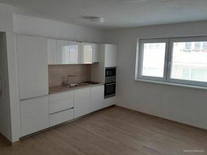 Hliny 3 - NOVOSTAVBA 2 izb. bytu s balkónom v širšom centre
