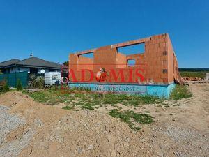 Predáme novostavba - 4izbový bungalov1, 500m2, nová tichá lokalita obce Ruskov, len 15min z Košíc.