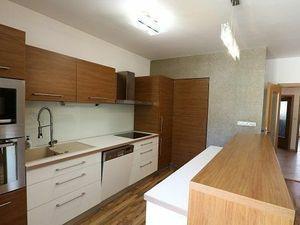 Moderný, KOMPLET ZARIADENÝ 4-izb.byt 98m2, PARKOVANIE, NOVOSTAVBA, RUŽINOV.