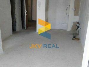 JKV Real ponúka na predaj  2 izbový byt v Stupave