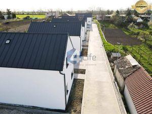 REZERVOVANÉ - Vaše nové moderné a štýlové bývanie - RD04 - KOLAUDUJEME