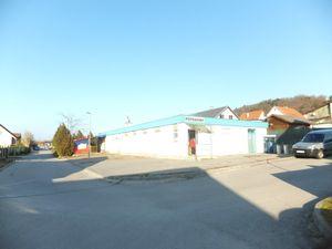 PNORF – polyfunkčný objekt, 300 m2, 1462 m2, r. 2005, Koplotovce okr. Hlohovec