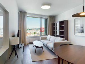 HERRYS - Na prenájom krásny 2 izbový byt  s výhľadom na hrad v projekte Sky Park, parking