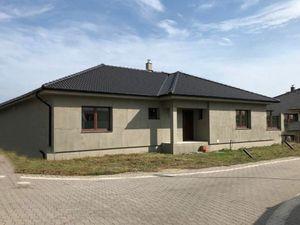 Na predaj 4 izbová novostavba rodinného domu, Nové Zámky