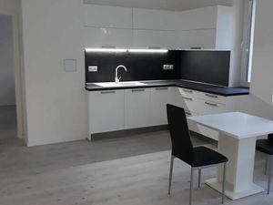 PRENÁJOM:  3 izb.byt Bratislava -N.Mesto, pri štadione  O.Nepelu  IID1183