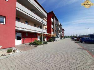 Predaj 2,5-izbový byt s loggiou, Rajka, Maďarsko