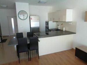 Prenájom dvojizbového bytu, 53 m2, balkón 7 m2, 2 x parkovacie státie, Stupava