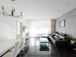 SVOBODA & WILLIAMS I 3-izbový klimatizovaný byt s loggiou v Panorama Towers