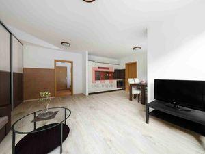 Na prenájom priestranný 2 izbový byt v tichej časti Dúbravky