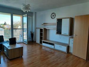 Slnečný 2-izbový byt s veľkou terasou, BA -Ružinov
