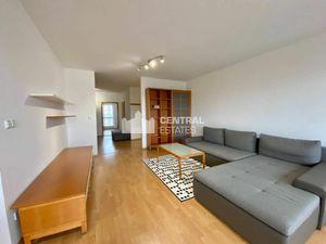 Priestranný 3i byt s lodžiou a balkónom na prenájom v Novom meste