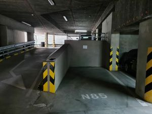 Prenajmem veľké vnútorné parkovacie miesto, III. Veže