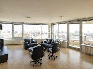 Priestranný 3i byt, 92 m2, zariadený, skvelá lokalita, parkovanie
