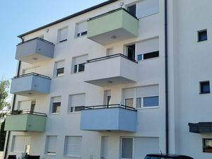 Na prenájom 1 izbový byt s parkovacím miestom Rajka