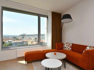 Príjemne zariadený 2-izbový byt s výhľadom na hrad v SKY PARKU