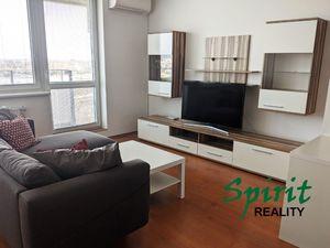 Priestranný a zariadený 1i byt s balkónom – PRENÁJOM