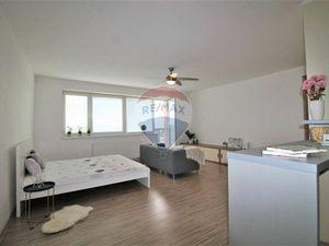 PREDAJ : 1 izb. byt 47 m2, novostavba, CENTRUM, Lichnerova, Senec.