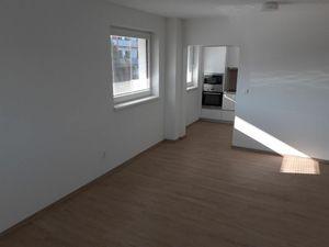BULVAR - NOVOSTAVBA 2 izb. bytu s veľkým balkónom v širšom centre
