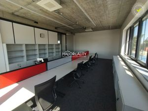 HALO reality - Prenájom, kancelársky priestor Trnava, Modranka - NOVOSTAVBA