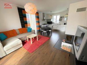 Ponúkame na prenájom 3 -izbový byt s parkovacími miestami na Perličkovej ulici v Podunajských Biskup