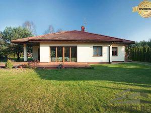 HĽADÁME rodinný dom v lokalite Bratislava - široké okolie
