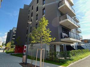 4-izbový byt s predzáhradkou 101m2 a terasou, Bratislava- Karlova Ves, Staré Grunty,  ul. R. Mocka,