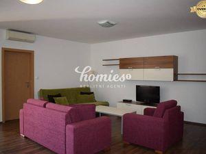 PRENÁJOM 2 izbový byt v Nitra centrum,  garáž