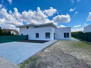 Veľký rodinný dom 177m2 s pozemkom 748m2 a vinárňou LIMBACH