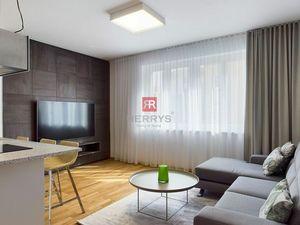 HERRYS - Na prenájom dizajnový, priestranný 2 izbový byt v absolútnom centre Bratislavy