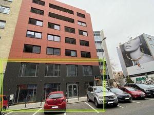 Ponúkame na prenájom veľký obchodný priestor s výkladom, 216m2 - v úplnom centre Bratislavy na Dunaj