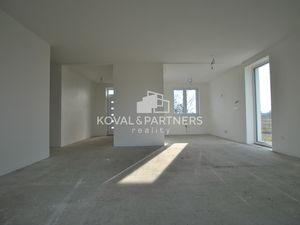 4 izbová skolaudovaná novostavba rodinného domu - holodom
