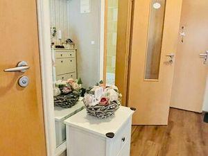 REZERVOVANÉ: NA PREDAJ: Veľký 1,5 izbový byt s balkónom aj pivnicou v 14 r. stavbe.