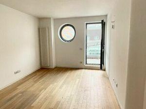 RK MAXIS REAL:NA PREDAJ : Apartmán  s terasou  novostavbe v centre mesta na Hornopotočnej ulici.