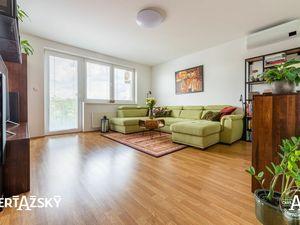 3i byt ꓲ 95 m2 ꓲ DLHÁ ꓲ veľkorysý a moderne vybavený byt, navyše úplne ako nový