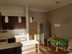 Slnečný a priestranný 2i byt na prenájom