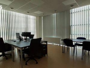 PRENÁJOM- reprezentatívne kancelárske priestory v Ružinove –  195 m2 - výborná poloha s parkovaním
