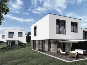 Ponúkame na predaj 5-izbový Rodinný dom v lokalite jedného z bratislavských diamantov na najvyššie p
