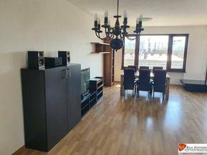 REB.sk Na prenájom 4,5 izbový byt so 4 terasami na Bazovej ulici