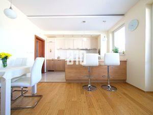 ZIPAVA-Nadštandardný 3-izbový BYT 2x parking + pivnica