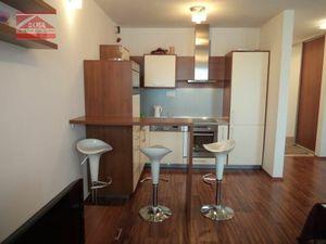 Ponúkame na prenájom 3-izbový byt s parkovacím miestom na ulici Prešovská v Eden parku, lokalita Bra