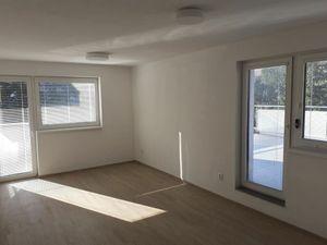 BULVAR - 2 izb. byt s veľkou TERASOU 36 m2 a balkónom, NOVOSTAVBA