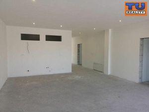 EXKLUZÍVNA TOP PONUKA ! NITRA - Lukov Dvor, 5i nadštandartný byt v bytovom komplexe s garážou, 186 m