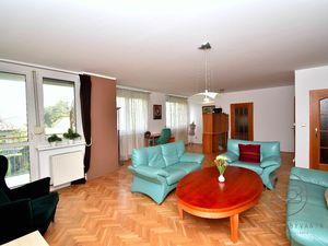 BA-Ružinov, 4i byt, 145 m2 –  priestranný, uzavretý areál so záhradou, pokojná a bezpečná lokalita,