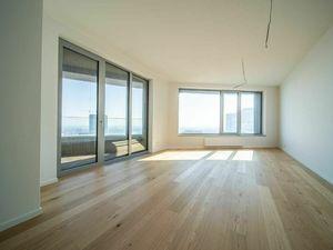 3i. byt,  24. poschodie /juhovýchod/  Sky Park